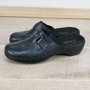 Clarks Size 7M Black Slip On Wedge Clog Mules Heel